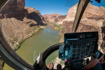 grand-canyon-upper-helicopter-inside