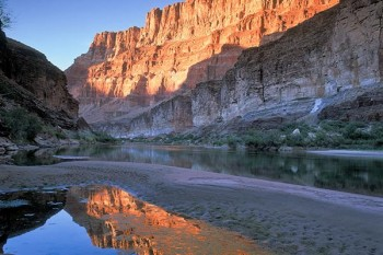 grand-canyon-lower-reflection