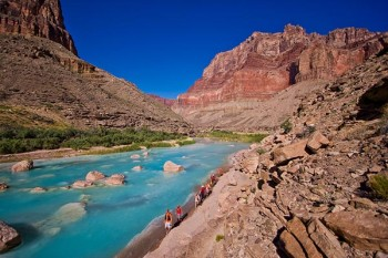 grand-canyon-upper-little-colorado-hikers