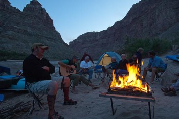 cataract-canyon-campfire