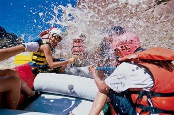cataract-canyon-paddle-splash