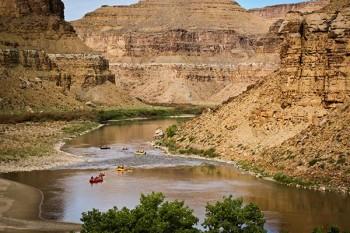 desolation-canyon-utah-rafting-nefertiti-flotilla