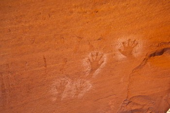 cataract-canyon-anasazi-high-fives