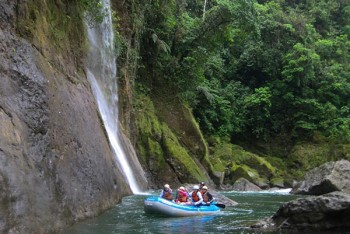 costa-rica-vacation-package-raft-waterfall