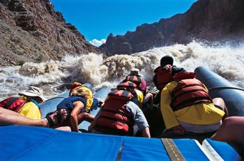 cataract-canyon-jrig-whitewater-approach