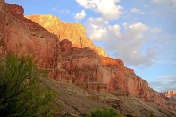 grand-canyon-lower-cliffs